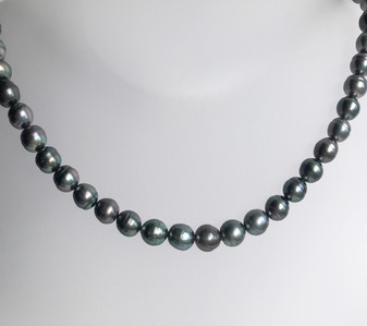 Natural colour Tahitian pearl necklace