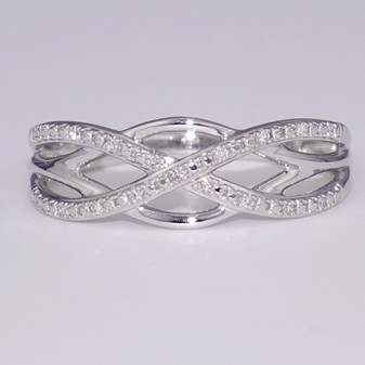 9ct white gold diamond-set Celtic weave ring