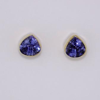 9ct gold pear cut tanzanite stud earrings