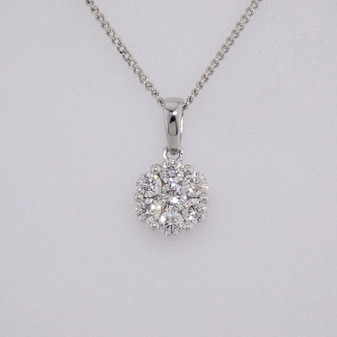 18ct white gold round brilliant cut diamond cluster pendant
