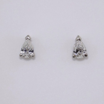 18ct white gold pear cut diamond stud earrings
