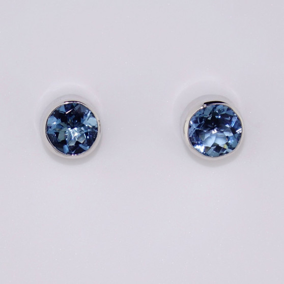 9ct white gold round cut aquamarine stud earrings with rubover settings