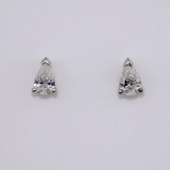 18ct white gold pear cut diamond stud earrings