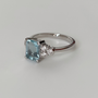 Platinum aquamarine and diamond ring side