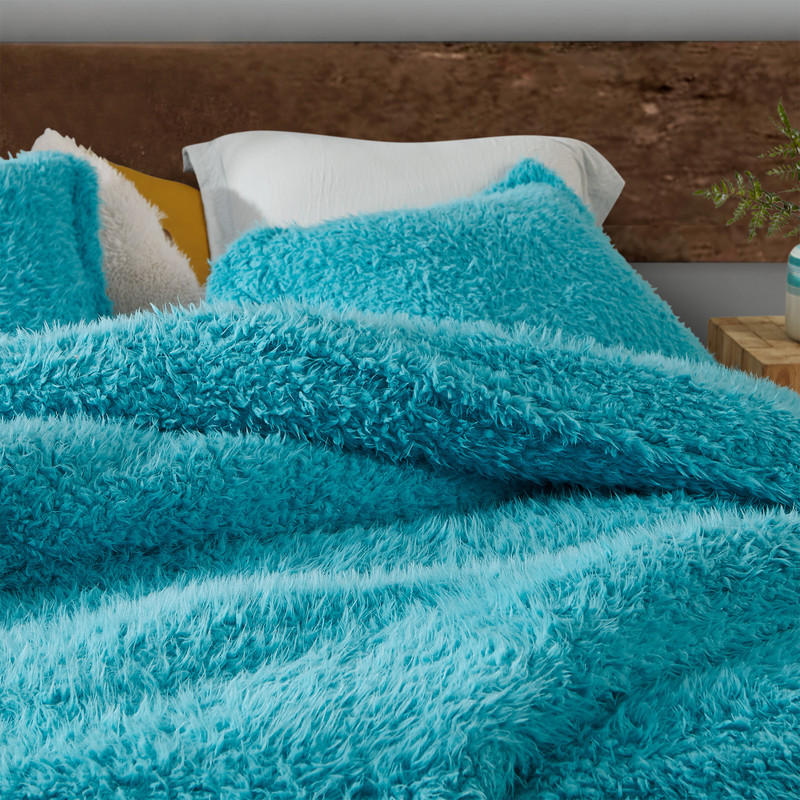 Affordable Twin, Queen, or King Comforter Made with High Quality and Ultra Plush Bedding Materials