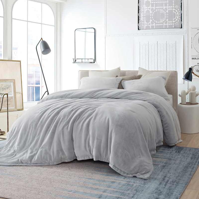 Super Soft Plush Twin, Full, Queen, or King Bedding with True Oversized Dimensions