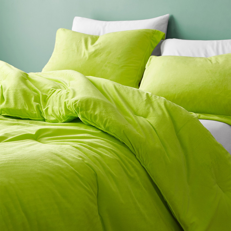 Oversized Twin, Queen, or King Comforter with Matching Plush Pillow Shams
