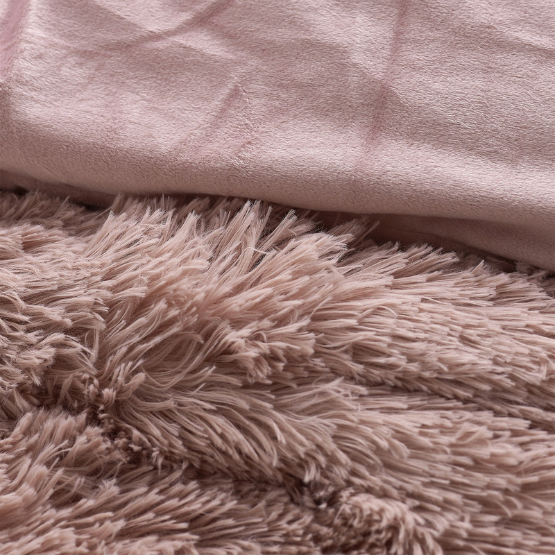 Soft Plush Twin, Queen, or King Oversized Bedding for Ultimate Twin, Queen, or King Bedding Comfort