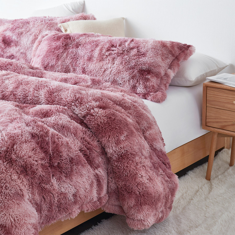 New Coma Inducer Blanket Made with Warm and Cozy Plush Bedding Materials