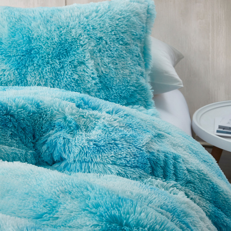 Colorful Bedroom Decor Ideas Stylish Blue Plush Twin, Queen, or King Oversized Comforter
