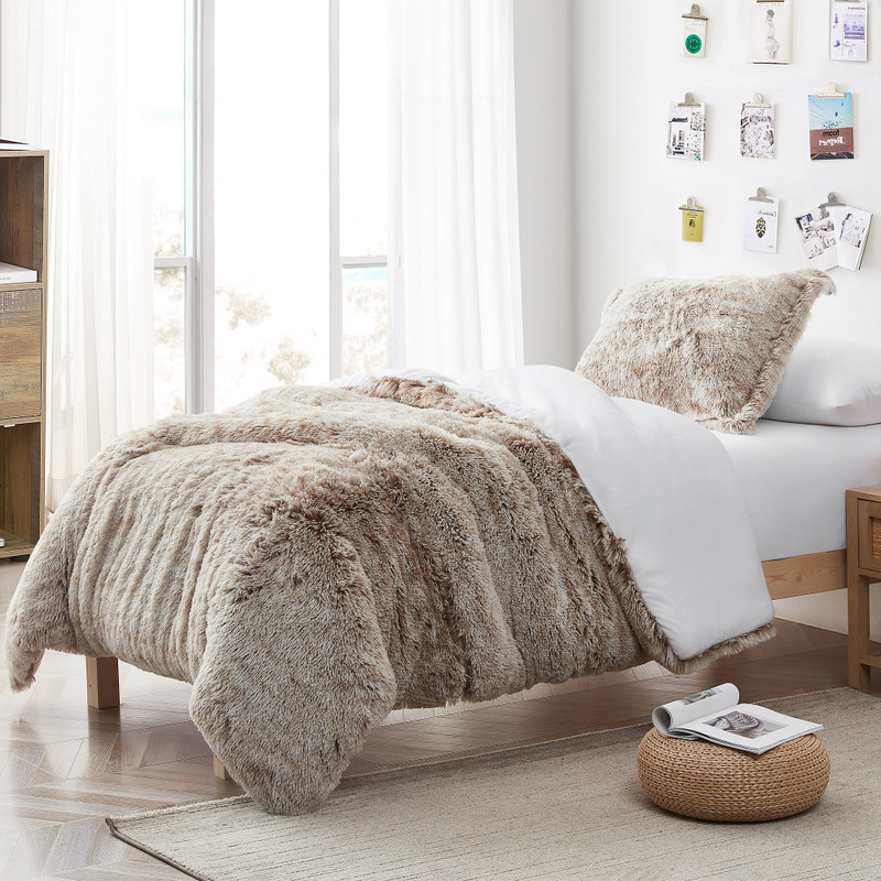 Twin, Queen, or King Oversized Comforter Made with High Quality Plush Bedding Materials