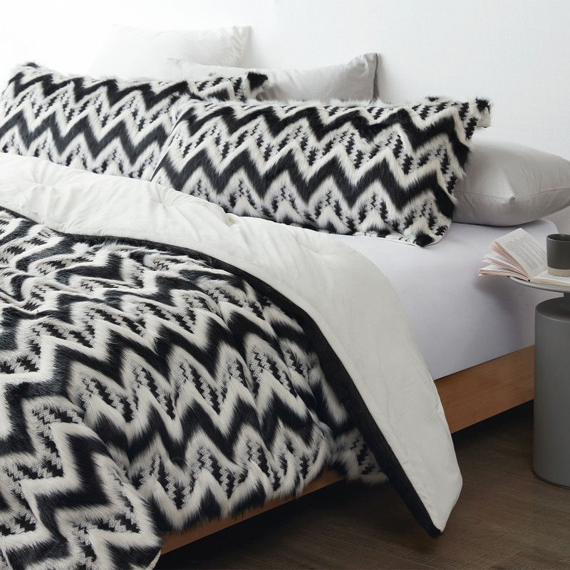Fancy Meeting You Here Oversized Twin, Queen, or King Bedding Set Made with High Quality Bedding Materials