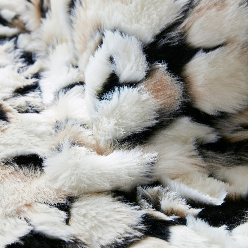 Animal Print Twin, Queen, or King Extra Large Blanket with Stylish Animal Print Pattern