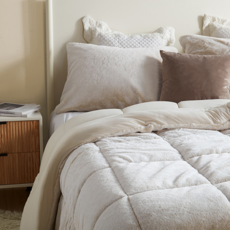 High Quality Plush Bedding Made with Extended Bedding Dimensions