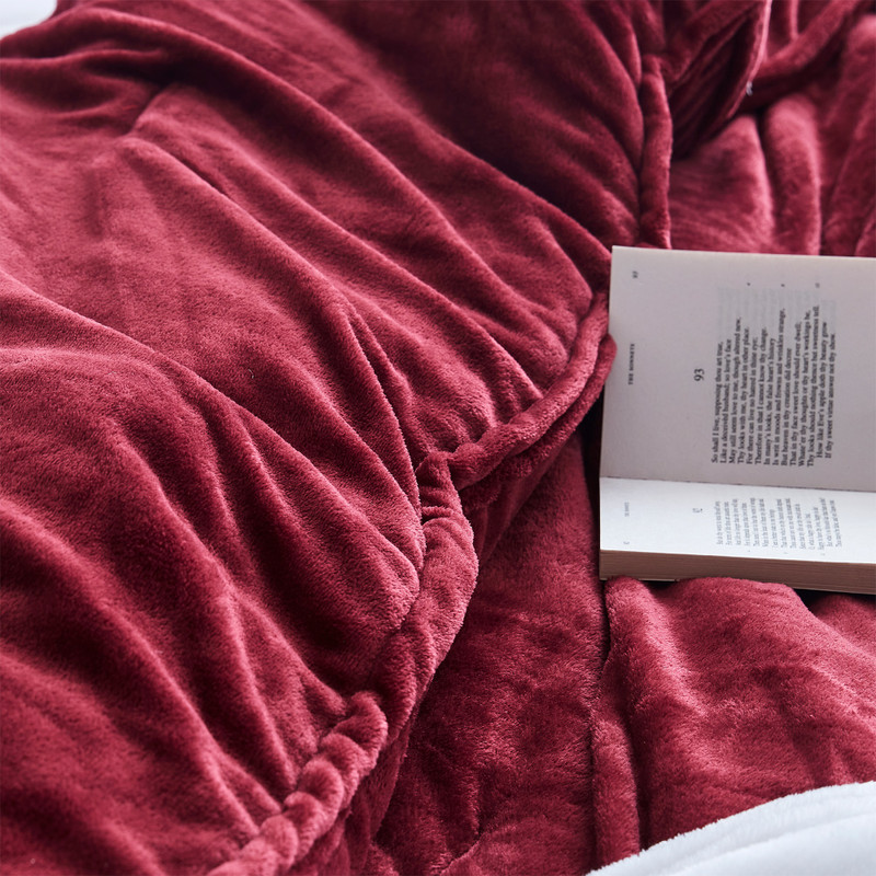 Red Bedroom Decor Ideas Stylish Luxury Twin, Queen, or King Oversized Comforter Set