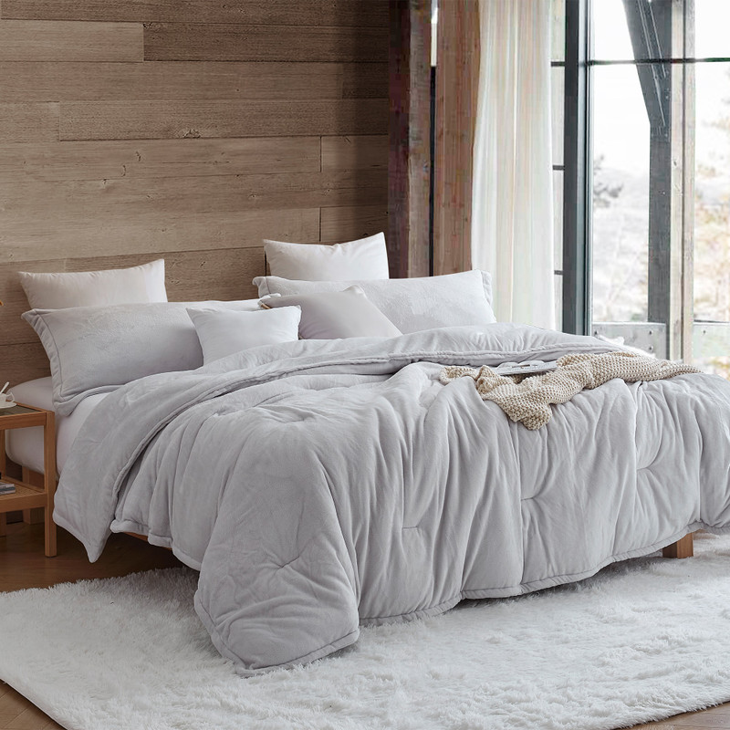 Extra Large Twin, Queen, or King Comforter Made with Super Soft Bedding Materials
