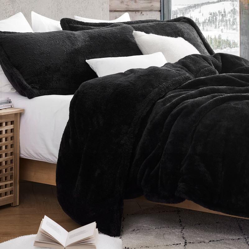 Extra Large Twin, Full, Queen, or King Comforter Made with Machine Washable Bedding Materials