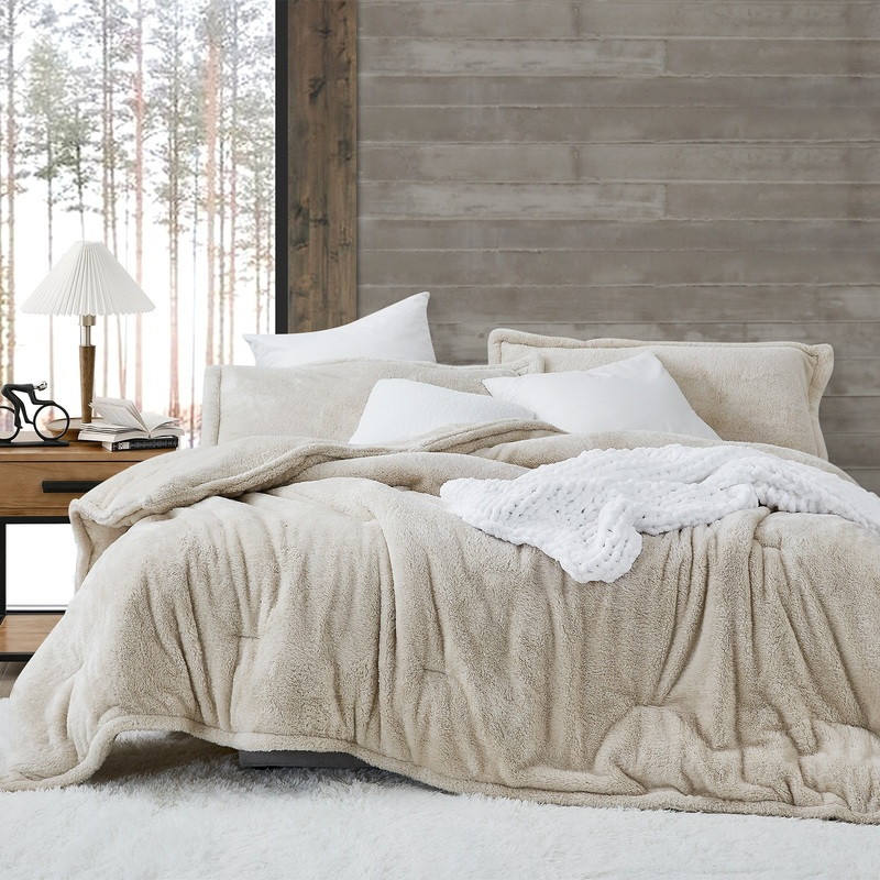 True Oversized Bedspread Made with Cozy Plush Bedding Materials