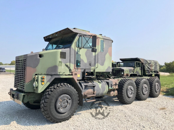 Oshkosh M1070 8x8 HET Military Heavy Haul Tractor Truck