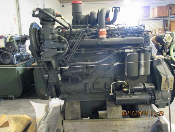 INTERNATIONAL DT466B DIESEL ENGINE