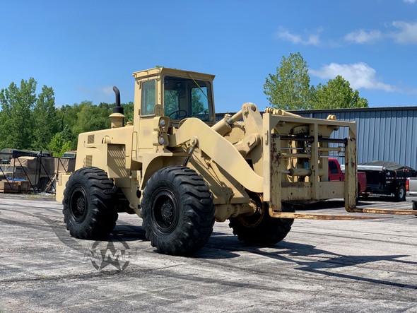 1985 International Harvester M10A Rough Terrain Forklift