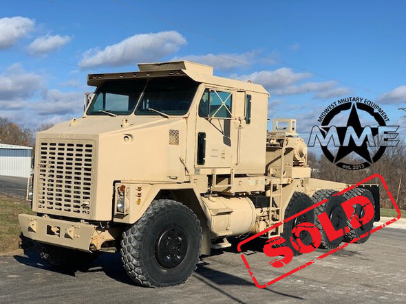 1994 Oshkosh M1070 8x8 HET Military Heavy Haul Semi Tractor Truck.