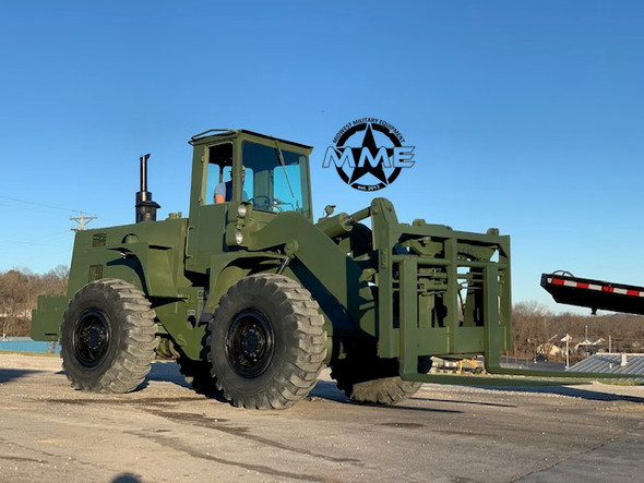 1985 International Harvester M10A Rough Terrain Forklift