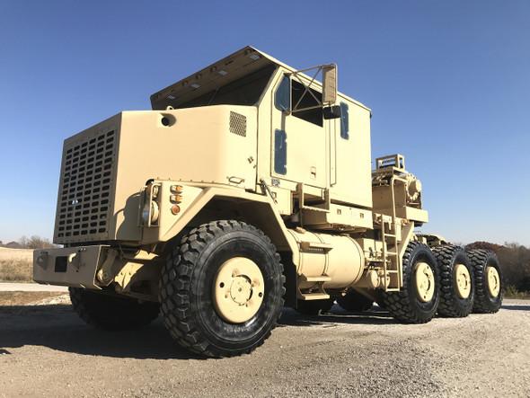 Oshkosh M1070 8x8 HET Military Heavy Haul Tractor Truck.