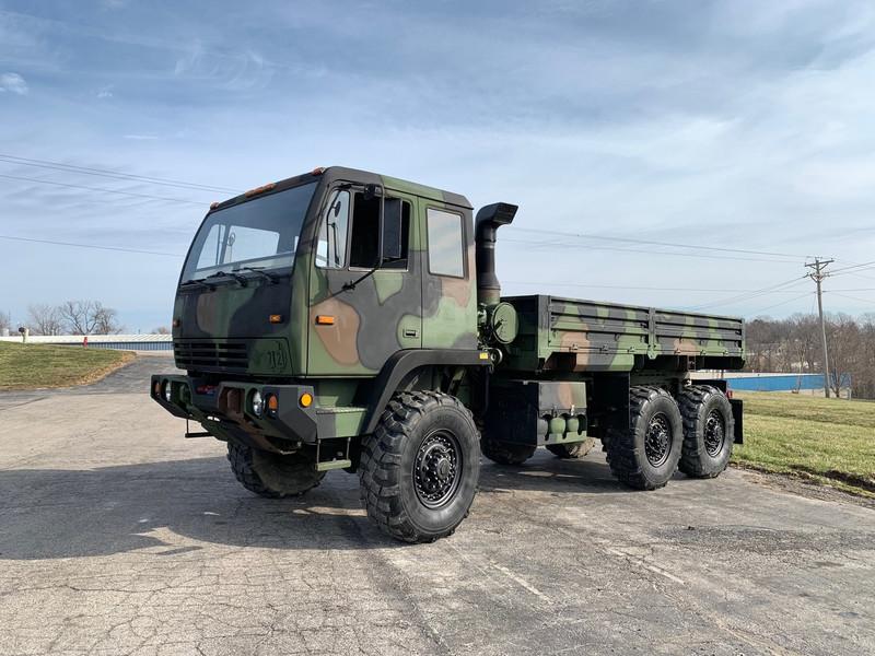 2002 Stewart & Stevenson M1083a1 MTV 6X6 5 Ton Military Cargo on