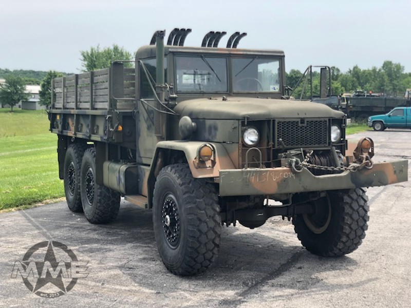 M35A2 With Hard Top and Winch
