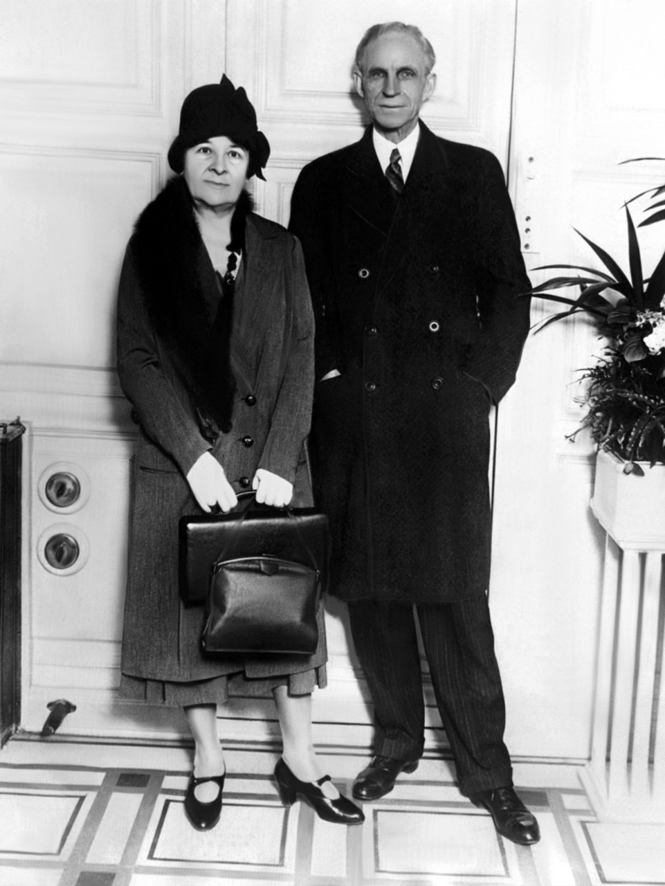 Clara Bryant Ford And Henry Ford Arriving In New York City On The ...