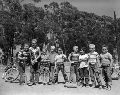 1950s Lineup Of 9 Boys In Tee Shirts With Bats & Mitts Facing Camera Poster Print By Vintage Collection (22 X 28) - Item # PPI177191LARGE