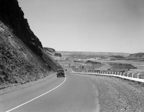 1930s Retro Us 30 Walla Walla Washington Car Mountain Drive Poster Print By Vintage Collection (22 X 28) - Item # PPI194378LARGE