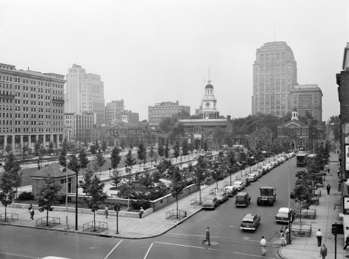 1950s Philadelphia Pa Usa Looking Southeast At Historic Independence Hall Building And Mall Print By Vintage Collection - Item # VARPPI195473