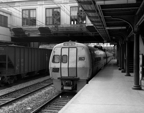 1960s Metroliner Passenger Train Stopped At Station Poster Print By Vintage Collection (22 X 28) - Item # PPI178884LARGE