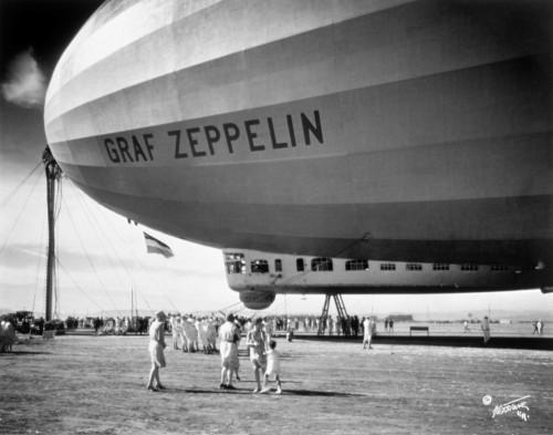 1920s-1930s People Looking At Gondola Of Graf Zeppelin Lz-127 German Rigid Lighter Than Air Airship Print By Vintage - Item # VARPPI178045
