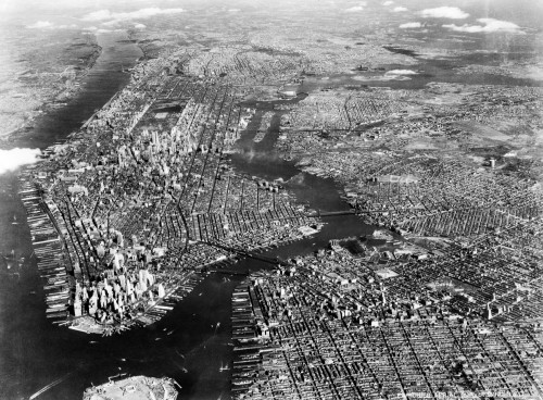 1930s-1940s Aerial View New York City Brooklyn Bronx Queens And Manhattan Island The Hudson And East Rivers Print By - Item # VARPPI194239