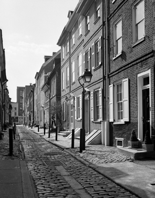 1960s Elfreth'S Alley A Narrow Colonial Belgian Block Street Lined With Quaint Row Homes Philadelphia Pennsylvania Usa - Item # PPI195545LARGE
