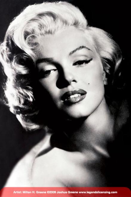 Marilyn Monroe - Glamour Poster Poster Print - Item # VARPYRPP31798