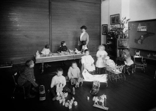 East Side Free School, C1910. /Na Kindergarten Classroom At The Crippled Children'S East Side Free School On Henry Street In New York City. Photograph, C1910. Poster Print by Granger Collection - Item # VARGRC0325777