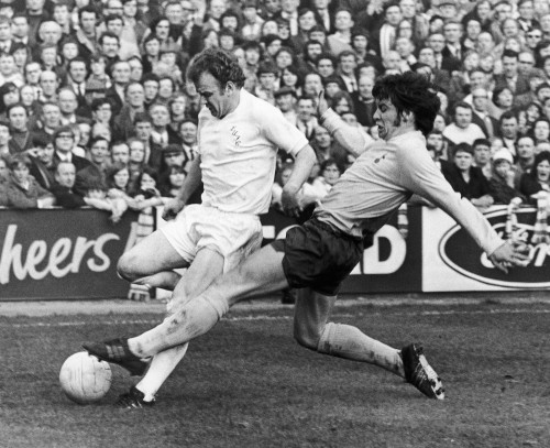 Left England Soccer 1966 Ndave Mckay Of Tottenham Hotspur Confronts Billy Bremner Of Leeds United During A Game 22 August 1966 Referee Norman Burtenshaw Blows His Whistle To Intervene Poster Print b