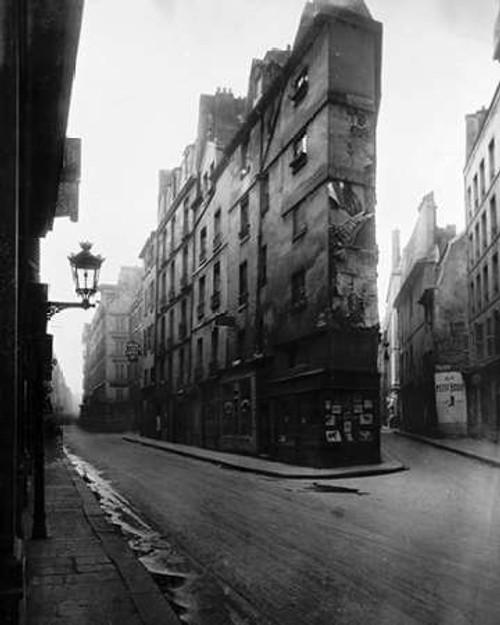 Paris, 1908 - Vieille Cour, 22 rue Quincampoix - Old Courtyard, 22 rue Quincampoix Poster Print by Eugene Atget - Item # VARPDX455082