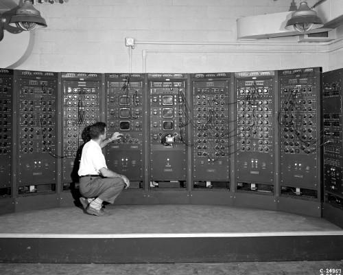 1949 Computer Used By Rocket Scientists At The Lewis Flight Propulsion Laboratory History - Item # VAREVCHISL034EC163