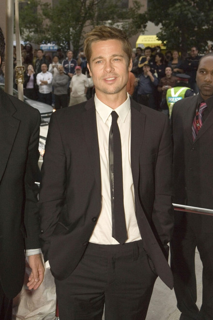 Brad Pitt At Arrivals For 2006 Onexone Gala Benefit Hosted By Matt Damon, The Carlu Convention Center, Toronto, Canada, On, September 10, 2006. Photo By Malcolm TaylorEverett Collection Celebrity - Item # VAREVC0610SPGYL011