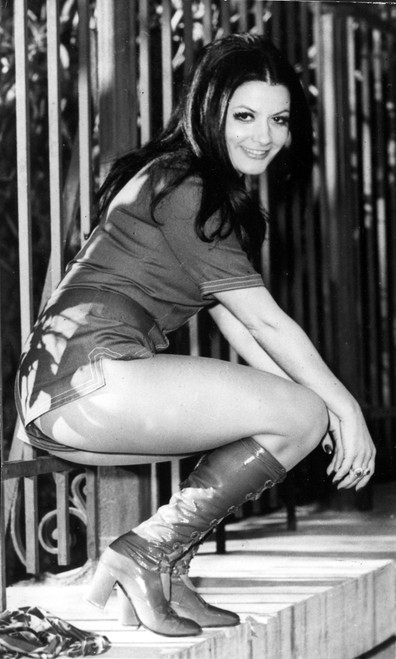 Fashion-Woman Modeling Hot Pants History - Item # VAREVCHBDFASHCS006