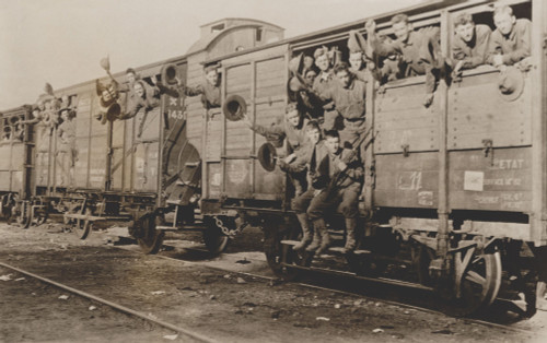 U.S. Marines Newly Arrived In France Enroute To A Training Camp During World War 1. The First Task Of American Arrivals Was Learning To Use Their British And French Weapons History - Item # VAREVCHISL043EC330