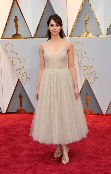 Felicity Jones At Arrivals For The 89Th Academy Awards Oscars 2017 - Arrivals 3, The Dolby Theatre At Hollywood And Highland Center, Los Angeles, Ca February 26, 2017. Photo By Elizabeth GoodenoughEverett Collection - Item # VAREVC1726F06UH060
