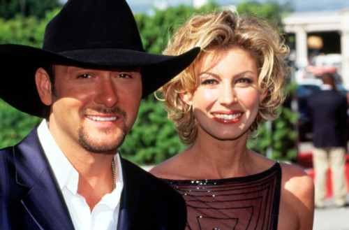 Tim Mcgraw And Wife Faith Hill At 1999 Academy Of Country Music Awards. Photo By Robert Hepler Celebrity - Item # VAREVCPSDTIMCHR002