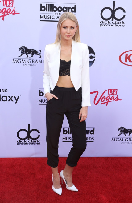 Scarlett Leithold At Arrivals For 2015 Billboard Music Awards - Part 3, Mgm Grand Garden Arena, Las Vegas, Nv May 17, 2015. Photo By James AtoaEverett Collection Celebrity - Item # VAREVC1517M04JO029