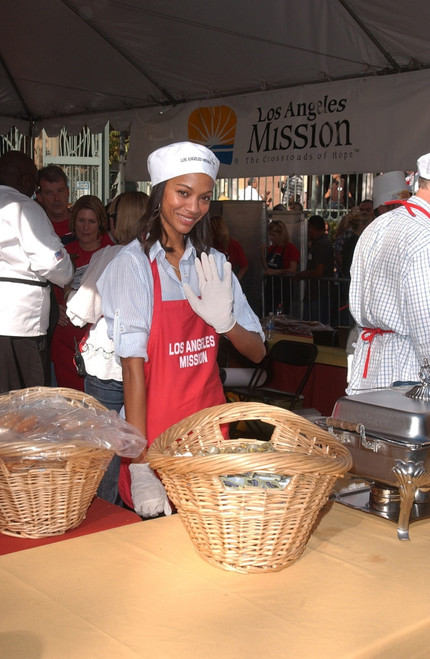Zoe Saldana At A Public Appearance For Los Angeles Mission Thanksgiving Meal For The Homeless, La Mission Kitchen, Los Angeles, Ca November 25, 2009. Photo By Tony GonzalezEverett Collection Celebrity - Item # VAREVC0925NVCGO024